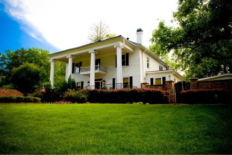 Carl House - Photo