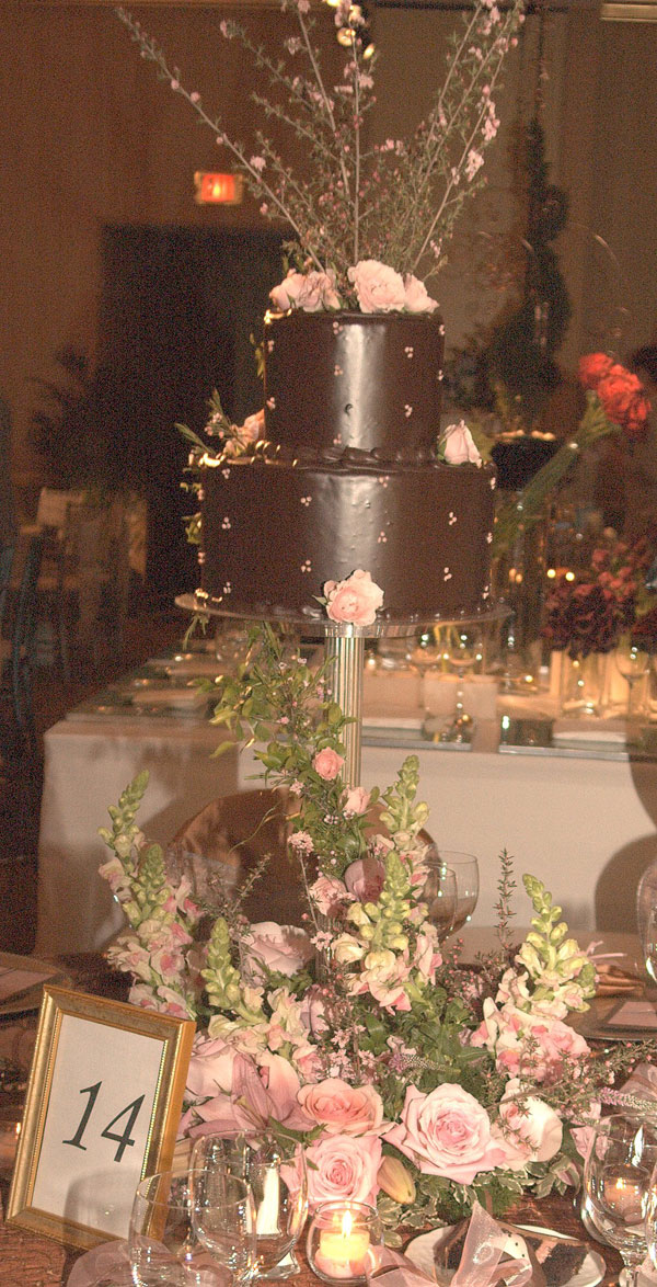 Pink And Chocolate Brown Color Scheme Wedding Table Decorations