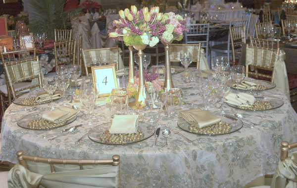 Elegant Garden Theme Wedding Table Decorations